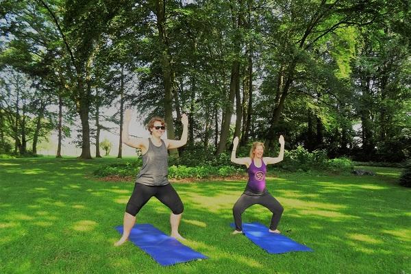 2 yoga-goddess-pose