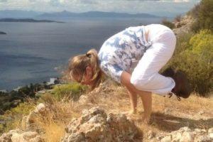 Marloes van der Kamp - yoga - kraai